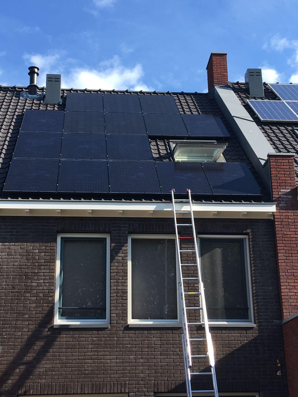 Innodura neemt AEG solar zonnepanelen en Goodwe omvormers op in haar assortiment