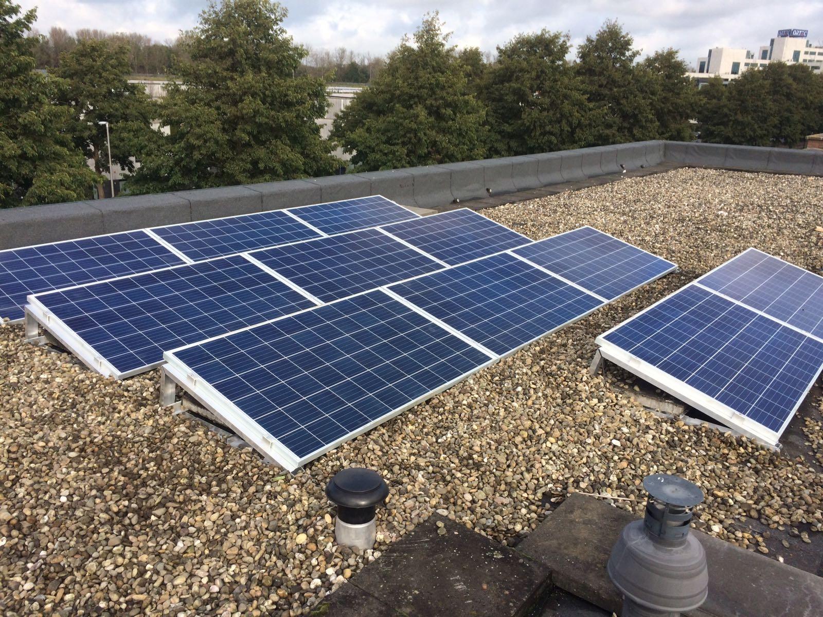 Record na record voor zonne-energie, maar wat levert dat nou precies op ?